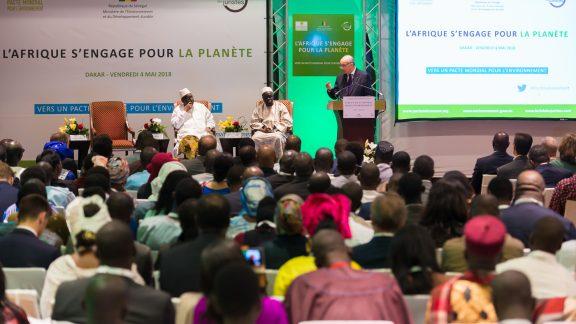 Colloque international sur le Pacte mondial pour l'environnement à Dakar